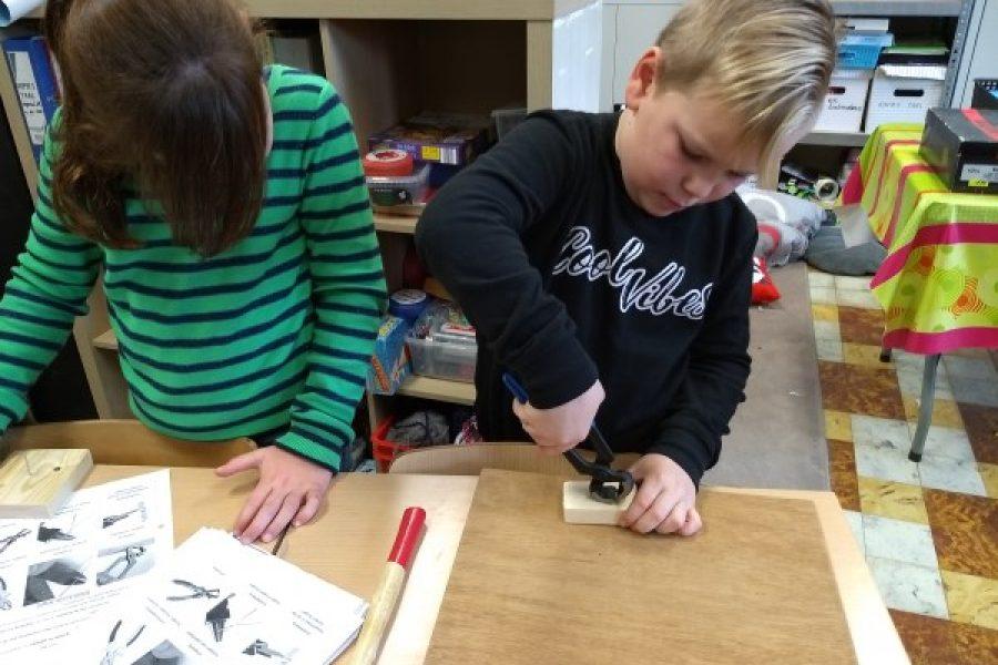 L3B: Techniek: Werken met soorten tangen en ijzerdraad