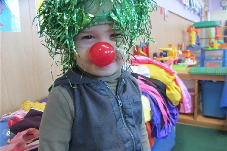 Carnaval in de bijtjesklas bij juf. Christine
