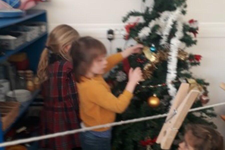 De kerstboom in de klas!