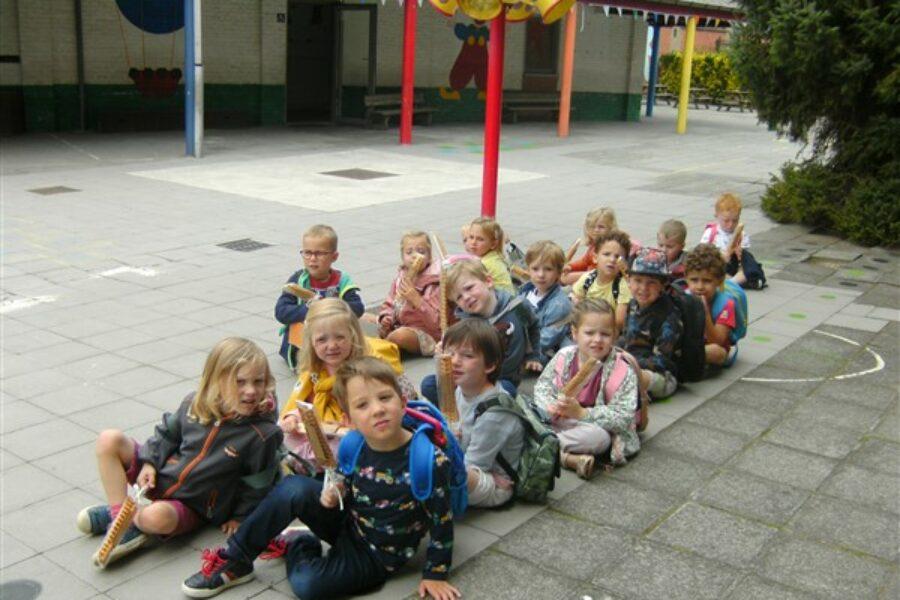 De eerste schooldagen in de dolfijnenklas